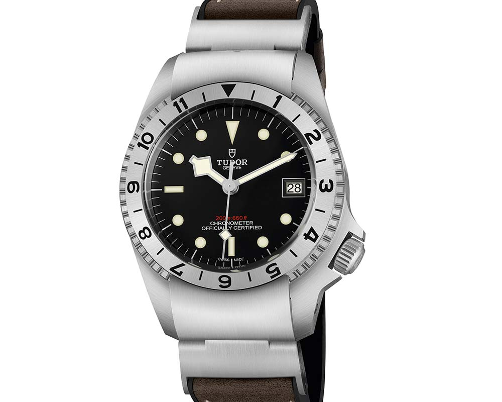 tudor blackbay p01 closeup
